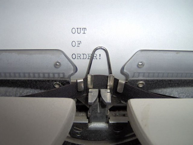 out_of_order_typing_machine
